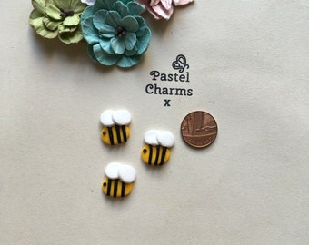 Clay Flatback buzzy bees bumble bee honey embellishments deco topper pk of 4
