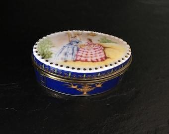 Del Prado trinket box. Porcelain pill box. Vintage pill box. ep 13. China pill box. Collectable pill box