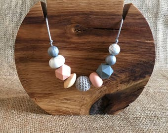 Breastfeeding Teething Sensory Necklace Grey Peach