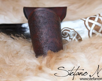 UNIQUE - HUGINN - Norse drinking horn with leather horn holster