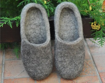 Eco friendly grey felted slippers - Felted slippers - Men home shoes - Grey slippers - Natural Men slippers - Men winter shoes