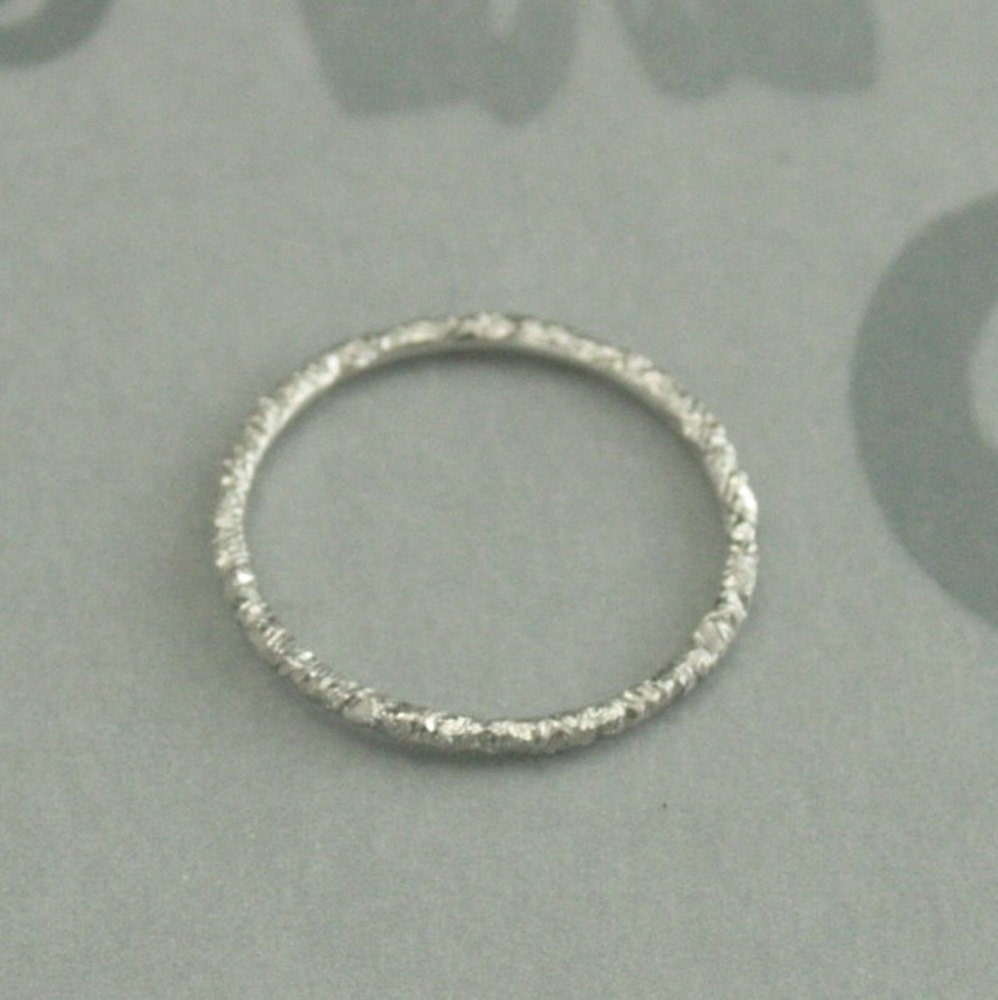 texture skinny of grace rings bands band thin hammered beautiful white wedding gold
