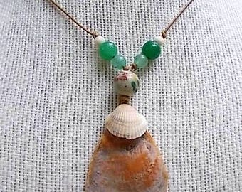 Natural Shell and Aventurine Pendant Necklace