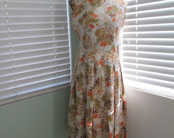 Timeless 1960's Day Dress Gorgeous Pattern Pleated Skirt Size 8 Size Medium