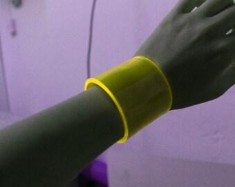Fluorescent Cuff