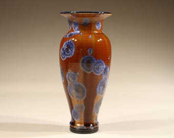 Porcelain vase, glazed with crystalline glaze