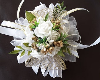White and gold corsage,  Wedding white roses corsage,  Prom white corsage(color of the roses can be customized)