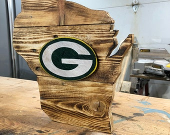 """Pallet sign* Wisconsin state with Green Bay """"G"""""""