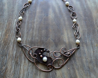 Asymmetrical copper necklace, bride, wedding jewelery, curls, modern, romantic jewelry, white pearl