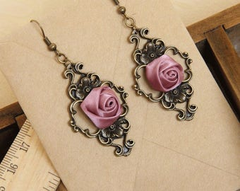 Vintage style dangle earrings with fabric rose