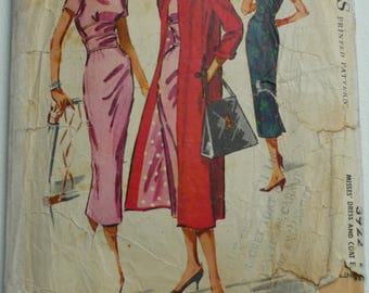 Vintage Sewing Pattern. McCalls 3922. Dress and coat pattern. Size 14