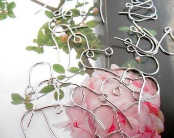 x 10 pairs of steel Leverback ear hooks.