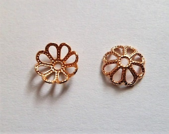 Small flower-shaped  bead cap in gold plated