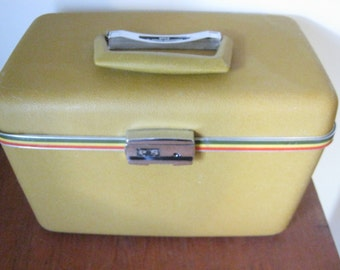 Vintage Gold Hard Shell Boyle Train Case by Airways Industries