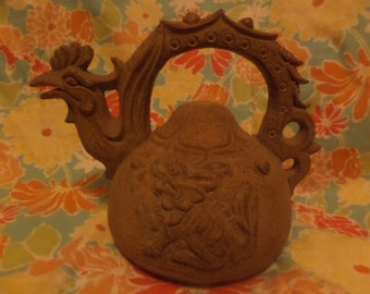 Chinese Imported decorative clay chicken head pot