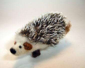 Wool hedgehog/needle felted hedgehog/spiky fur hedgehog/soft sculpture hedgehog/miniature hedgehog/cute African pygmy hedgehog/Steiff mohair
