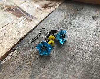 Blue Bellflower Earrings - Blue and yellow Czech glass earrings, Flower earrings, Blue Floral, Yellow flower earrings, Spring floral jewelry