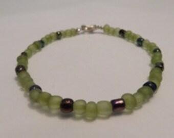 Green Beaded Bracelet.   {Homemade Jewelry, Unique Jewelry, Beaded Jewelry, Handmade}