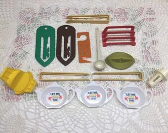 Vintage Assortment of Tupperware Gadgets, Tea Bag Holders and Extras