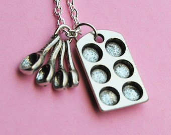 Muffin Pan and Measuring Spoon - Baking Necklace  (R1F1)