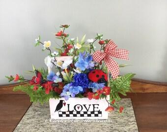 Summer floral centerpiece, patriotic centerpiece, table decor, farmhouse decor, floral arrangement