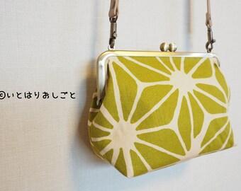 A traditional Japanese pattern【麻の葉つなぎ(Asanoha tsunagi)】GAMAGUCHI crossbody bag