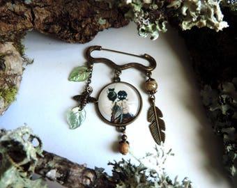 "Bronze brooch semi-precious""fairies at the cricket"": bead Jasper bronze feather, bee, leaf lucites cabochon glass """