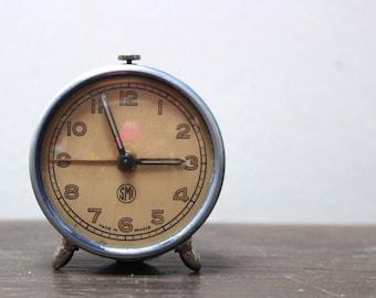 Pretty French vintage SMI alarm clock