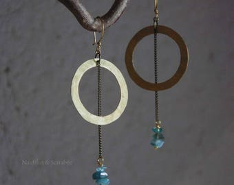"""Earrings """"Circles"""" hammered brass and stone chips. Tribal. Modern. Raw."""