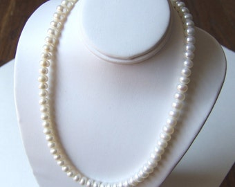 Child's Classic Freshwater Pearl Necklace in Sterling Silver N040
