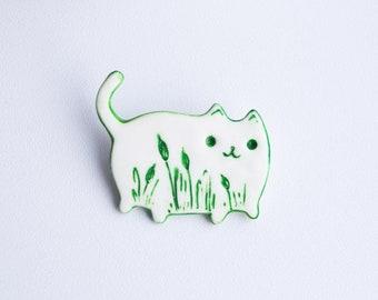 Reed cat badge Polymer clay brooch White kitten jewelry bulrush Handmade green cat Cats fan gift Miniature pin Cat lover gift Cute pin