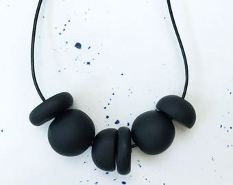 Abacus Clay Necklace in Charcoal