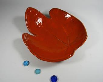SET of 2 plates fig leaf shaped large format