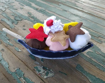 Play Food , Felt Food , Banana Split Play Set , Banana Boat with Spoon , Ice Cream Scoops and Toppings , Sold as a Set