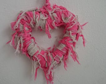 HEART WREATH DECO FABRIC KNITTING EFFILOCHEE PINK RASPBERRY AND BEIGE.