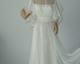 Vintage 90s Airy wedding dress Sheer bodice Bridal gown Long wedding dress Formal gown Butterfly sleeves Romantic Wedding dress Size 40