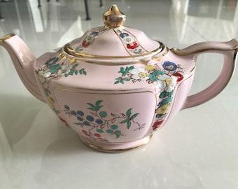 Pink Sadler teapot