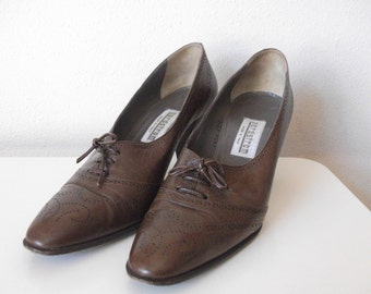 Brown Leather Wingtip Oxford Heel, Size 9 Narrow