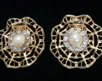 Lattice pearl and rhinestone flower dress clips