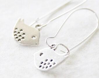 Silver Bird Earrings / Silver Bird Dangle Earrings / Simple Bird Earrings / Casual Earrings / Everyday Silver Drop Earrings  / D036