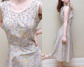 50s Geometric Print Dress // Cotton Pinup Bombshell Mesh Yoke Frock // S M