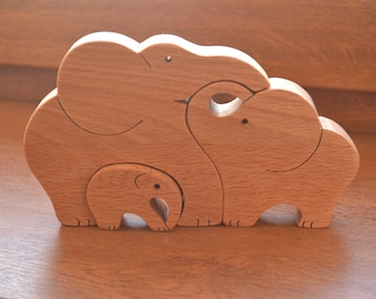 Wooden elephants family - Mother's Day gift - Puzzle toy - Animal puzzle - Educational toy - Kids gifts - Natural eco friendly - Waldorf