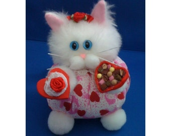 Lil Sweetheart - Valentines Day Festive Feline Cat Purrsonality - Fiber Art Collectible 125