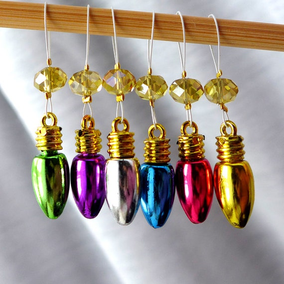 Wonderful Christmas Time - Six Snag Free Stitch Markers - Fits Up To 6.0 mm (10 US) - Open Edition