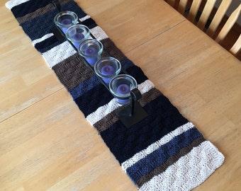 Basketweave Table Runner - a loom knit pattern