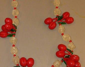 Vintage Cherry cherries necklace rockabilly 1950 1960 plastic