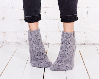 Women socks Grey knitted socks Short wool socks Cable knitted socks Hand knitted women socks Warm merino wool socks Home grey cable socks
