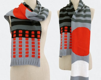 Graphic knitted scarf, Tribute to Italian Design