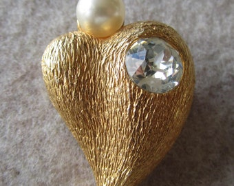 Vintage heart brooch with faux pearl and rhinestone