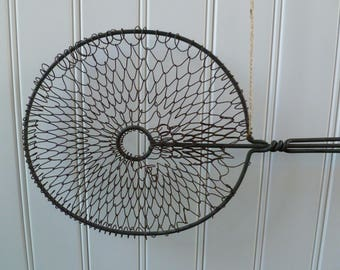 Vintage Rug Beater. Metal Wire, Round, Wood Handle. Antique Carpet Beater. Cottage Farmhouse Kitchen Primitive Rustic Decor.